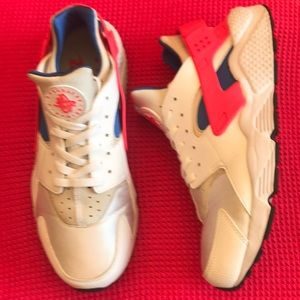 NIKE AIR Hurache Sneaker